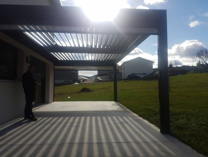PERGOLA BIOCLIMATIQUE - SAINT-CHAMOND (42)